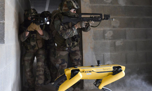 Boston Dynamics' Spot robot with French soldiers during a drill.